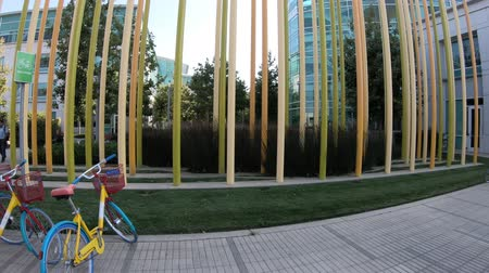 canto : Sunnyvale, California, United States - August 13, 2018: bikes parked of Google Tech Corners, the Google New Campus in Sunnyvale, Silicon Valley, CA, San Francisco Bay area.