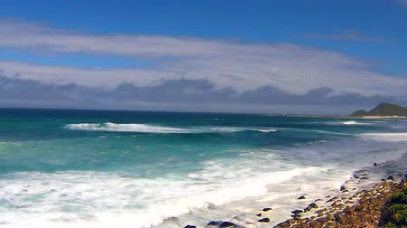 столовая гора : Ocean waves in Cape of Good Hope. Cape Town, Table Mountain National Park, South Africa