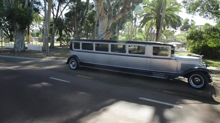 limuzína : Guildford, Swan Valley, West Australia - December 2017: side view of an old Luxury Limousine of 1930s. Stretch Ford Expedition Limo Model A, made in the United States.