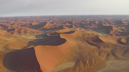 дюна : Aerial view of the Sossusvlei desert in the Namib Naukluft National National Park of Namibia. Africa.