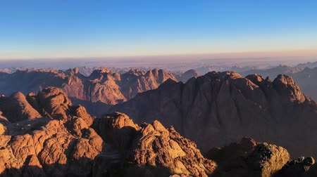 İbranice : Panorama of Mount Sinai in Sinai Peninsula of Egypt. Dawn of the holy summit of Mount Sinai, Aka Jebel Musa, know also as Mount of Ten Commandments or Mount of Moses.