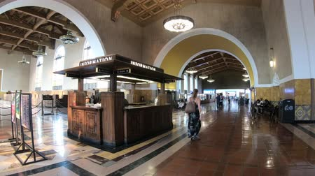 sierpien : Los Angeles, California, United States - August 9, 2018: interior of historical hall entrance with painted ceiling of Union Station, the main train station in Los Angeles Downtown.