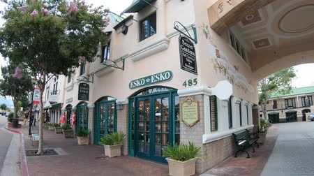 danimarka : Solvang, California, United States - August 10, 2018: Fredericks Court on main street in Solving, a Danish village, popular attraction in California. Santa Ynez Valley in Santa Barbara County