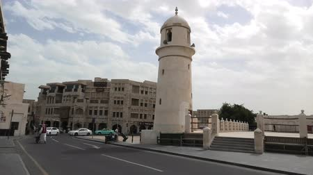 cami : Doha, Qatar - February 23, 2019: Al Ahmad Mosque, ancient mosque with its minaret in the heart of Souq Waqif, old traditional market in Doha center. Sunny day. Mosque at Souq waqif.