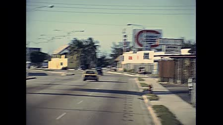 семидесятые годы : Fort Lauderdale, Florida, United States - Circa 1979: street traffic of Fort Lauderdale town near Miami in 70s. Vintage cars on the road. Historical United States of America.