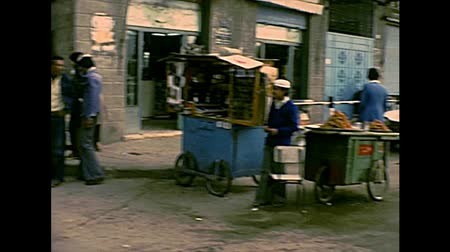 パレスチナ : GAZA, PALESTINE, ISRAEL - CIRCA 1979: Streets life working in the old Gaza market with donkey carriage. Archival life of Palestine in 1970s, during the occupation of Israel until 1993.