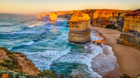 campbell : Panoramic view of the stacks that comprise the Twelve Apostles at sunset, one of the main attractions of the Port Campbell National Park. Great Ocean Road, Victoria State, Australia, cinemagraph.