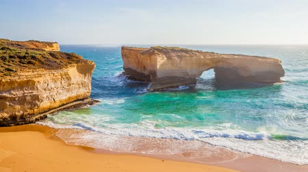 campbell : Cinemagraph loop background of the London Arch, natural formation in Port Campbell National Park. Great Ocean Road, Victoria State, South Australia.