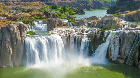 dvojčata : Spectacular aerial view cinemagraph loop of Shoshone Falls or Niagara of the West, Snake River, Idaho, United States. Dostupné videozáznamy