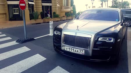 superb : Monte Carlo, Monaco - January 15 2017: Luxury Car Rolls Royce Phantom Parked in Front of the Monte Carlo Casino in Monaco