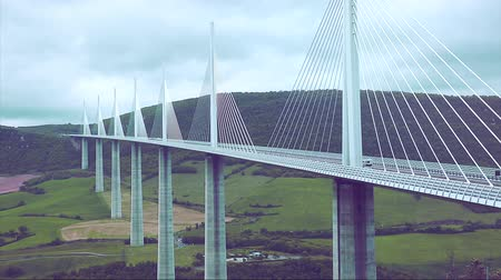 palmo : Millau, France - May 12, 2017: Beautiful Panorama Of The Millau Bridge Viaduct, The Tallest Cable-Stayed Bridge in France. The Millau Viaduct Is The Tallest Bridge In The World With One Masts Summit At 343 Meters Above The Base Of The Structure. Aveyron,