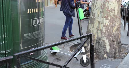 só : Paris, France - October 16, 2018: Lime-S Electric Rental Scooter On The Champs Elysees In Paris, France, Europe - DCi 4K Resolution