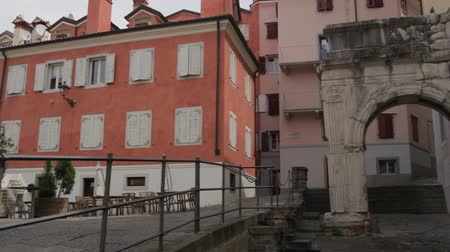 richard : The Arch of Richard, Roman monuments in Trieste - Italy Stock Footage