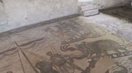 villa historisch : PIAZZA ARMERINA, ITALY - APRIL, 24: Mosaics of the Roman Villa at the Casale, large and elaborate Roman villa designated as a UNESCO World Heritage Site, famous for the extraordinary collection of frescoes and mosaics on April 24