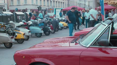 restaurar : TRIESTE, ITALY - OCTOBER, 01: Old Fiat cars and Lambretta scooters exposed at the National Day of the Vintage Vehicle ASI and in conjunction with the 30th anniversary of the Friends Club of the Topolino foundation on October 01, 2019 Vídeos