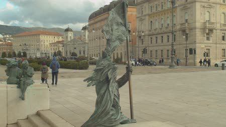 eenheid : View of the bronze statue of the Bersagliere. Special unit of the Italian Army infantry corps. Trieste