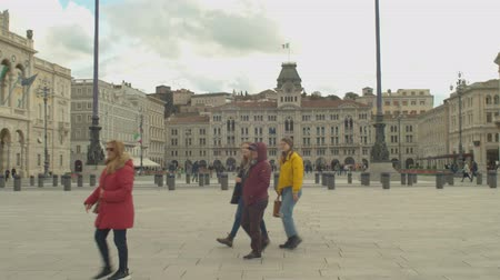 посещающий : View of the famous and scenic Unity of Italy Square in Trieste