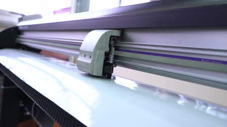 snijmachine : Oracal op de plotter knippen.