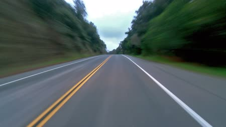 wyscigi : Speeding on a straight road Wideo