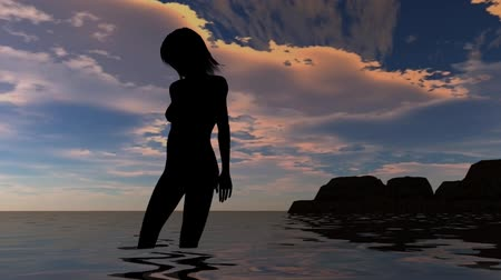 üstsüz : woman on the beach in sunset - nude silhouette