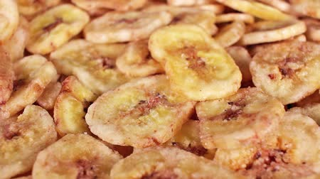 Dry dried banana slices