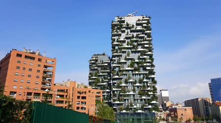 verticale : Milan, Italy. Bosco Vericale, in 4K. The Vertical Forest towers in  Porta Nuova, Milan. Stock Footage