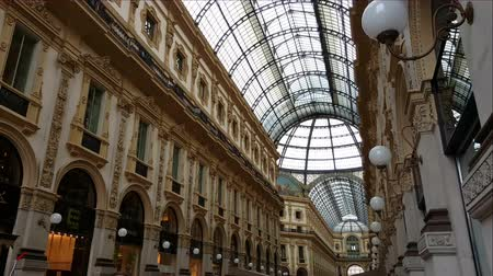 galleria vittorio emanuele ii : Milan, (Milano) Italy. Inside Galleria Vittorio Emanuele II. This arcade is from its opening in 1877 on of the oldest shopping malls in Europe. Stock Footage