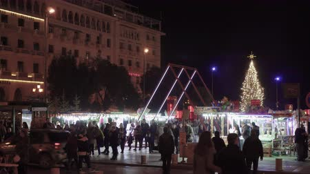 yunan : Thessaloniki, Greece Christmas decorations at Aristotelous square. Night view of festive instalments at the southern part of main city square.