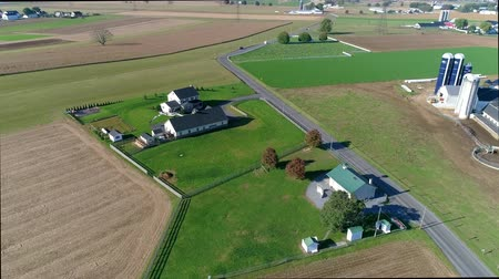 Пенсильвания : Amish One Room School House as Seen by a Drone Стоковые видеозаписи