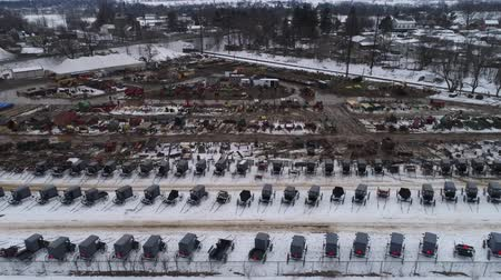 Aerial View of Getting Ready for an Amish Winter Mud Sale Wideo