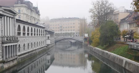 annunciation : Ljubljanica river and Three bridges in the background, Slovenia Stock Footage