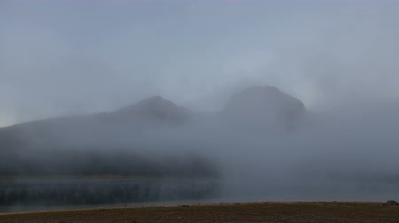 очистка : Time lapse of Beautiful mystical lake. Black Lake, Durmitor National Park. Стоковые видеозаписи