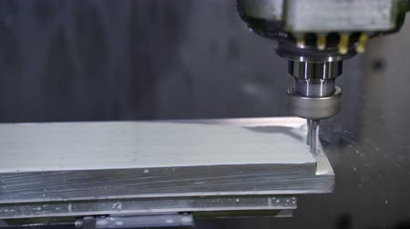 moagem : Metalworking CNC milling machine.