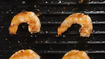 prawns : shrimps grilled on an electric grill