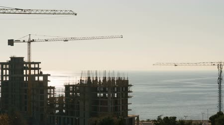 oluşturmak : one day from building construction by the sea Stok Video
