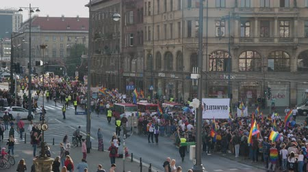 oposição : Wroclaw Poland 6.10.2018 The March of Equality. LGBTQ Gay Pride Parade