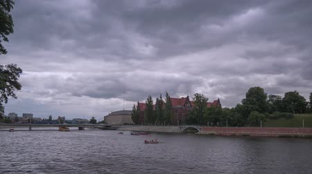 wrocław : A Dramatic Summer Time Lapse View Of Cloudy Odra River
