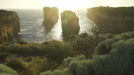 talapzat : Pedestal up at Island Archway lookout in the Twelve Apostles in Australia Stock mozgókép