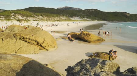 Squeaky beach at sunset in Wilsons Promontory national park in Australia Стоковые видеозаписи