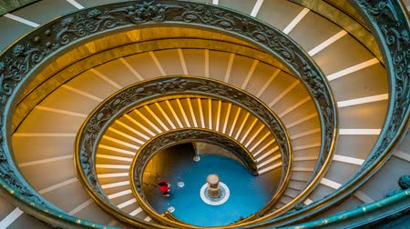 corrimão : Snail staircase of the Vatican museum in Rome, zoom in