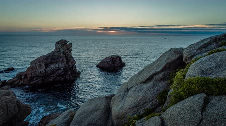 bretagne : Timelapse of the sunset in Quiberon cote sauvage, Brittany, France Stock mozgókép