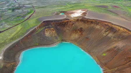 géiser : Aerial view on the Iceland. Aerial landscape above river in the geysers valley. Icelandic landscape from air. Famous place. Travel - video