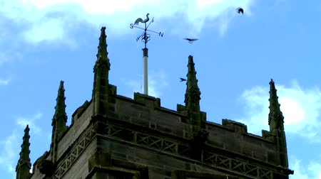 готический : Crows Circling a Clock Tower - St Lawrence Church, Gnosall, Staffordshire, England