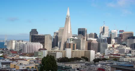 greater : San Francisco. A Panning Panoramic Skyline View of Downtown and the Financial district.