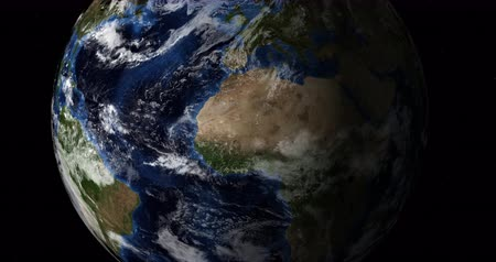 cartografia : Earth Flyby. Rotating Day side of the earth with cloudscape. Stock Footage