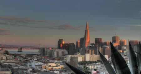 greater : Spectacular San Francisco Sunset. A Panning View from Russian Hill. Stock Footage