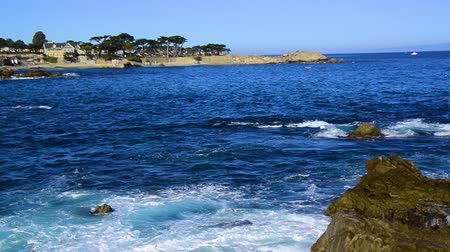 pacífico : Waves at Lovers Point, Monterey Bay, California