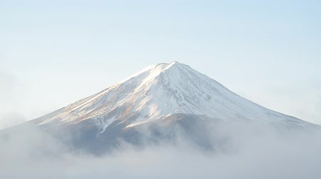 крепление : Timelapse mount fuji and moving fog in the morning at kawaguchiko japan