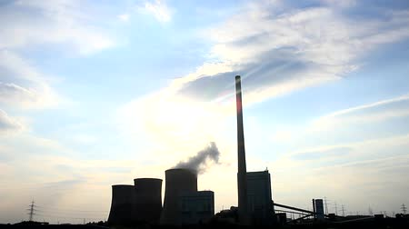 környezeti : A power plant with sky - power plant Stock mozgókép