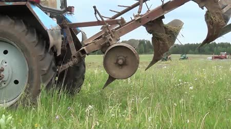 trator : tractor plow